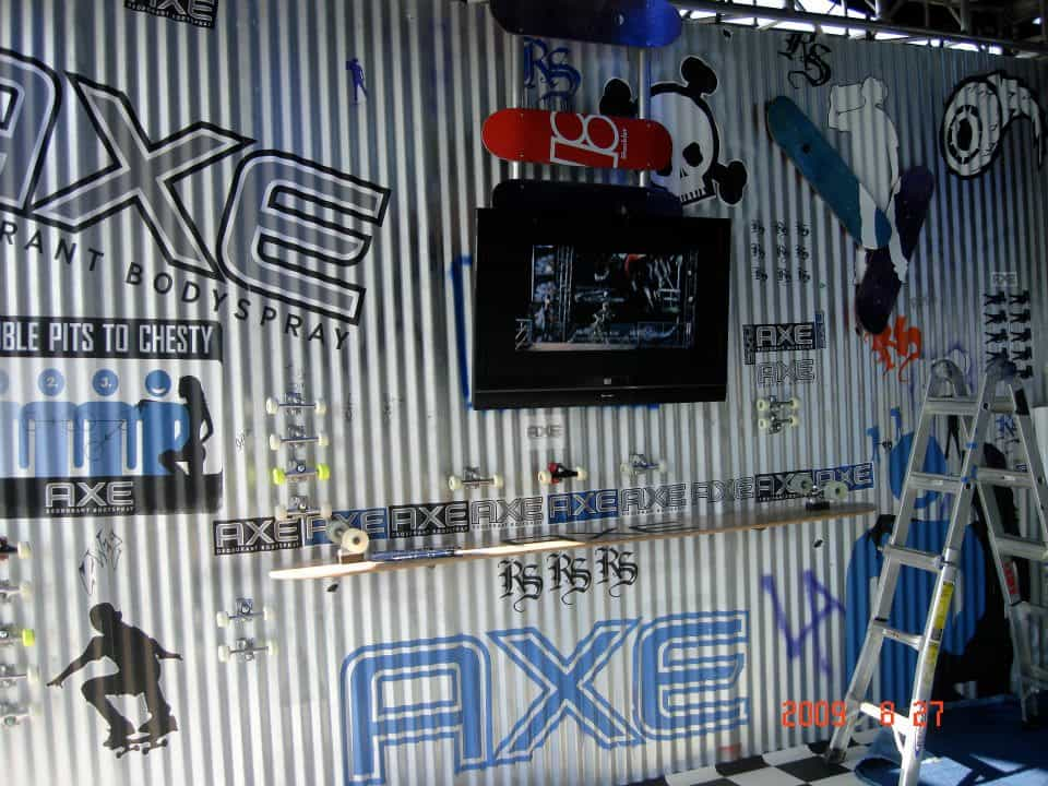Axe Corrugated Sheet Metal Wall and product display